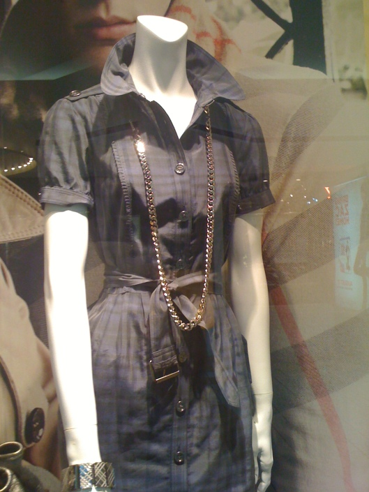 i loove this look...the dress...subtle burberry print