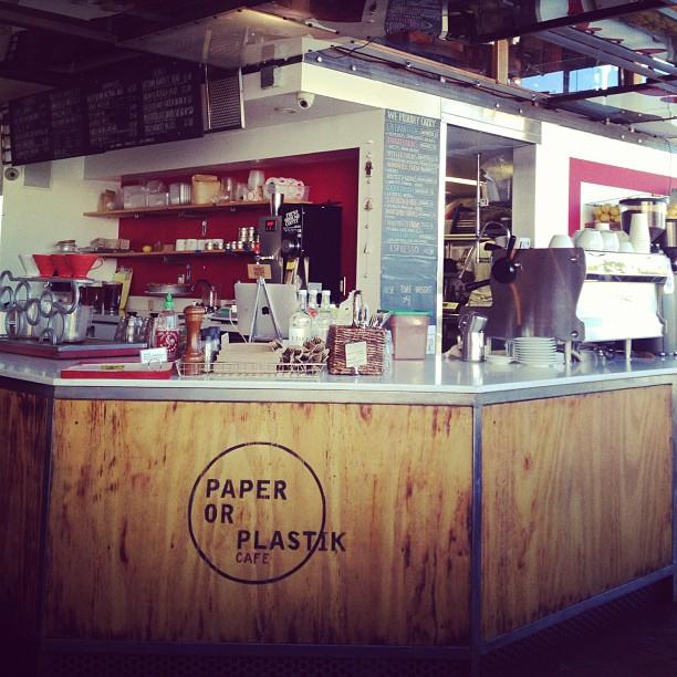 paper plastik cafe